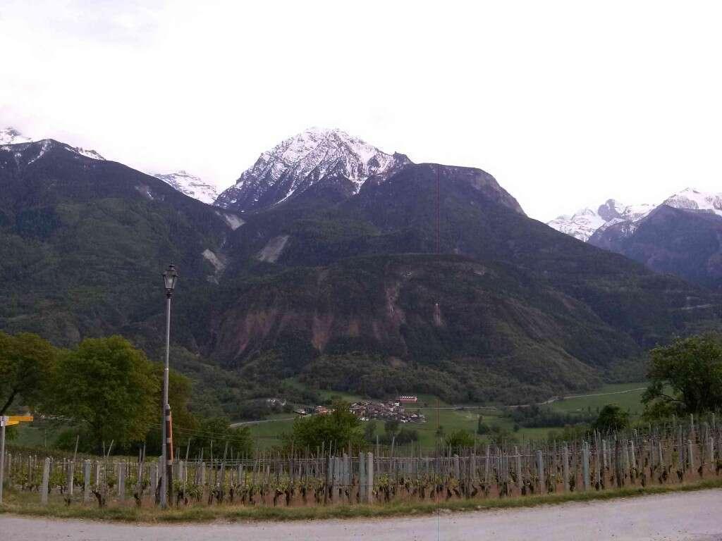 Panorama Valle Aosta presso Cantina La Vrille