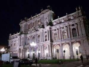 InBianco_Palazzo Carignano_di sera
