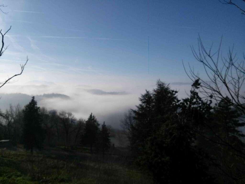 Castello di Stefanago - Panorama Nebbioso Colline Oltrepò Pavese