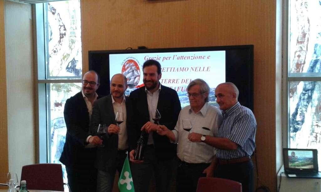Presentazione Buttafuoco Storico Consortile e foto di gruppo del Consorzio