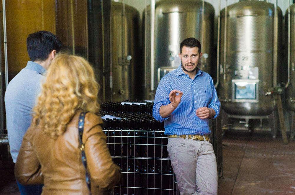 Calatroni - Stefano Calatroni spiega vinificazione dei vini