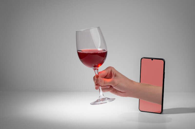 Acquistare Vino online da cellulare è sempre più diffuso