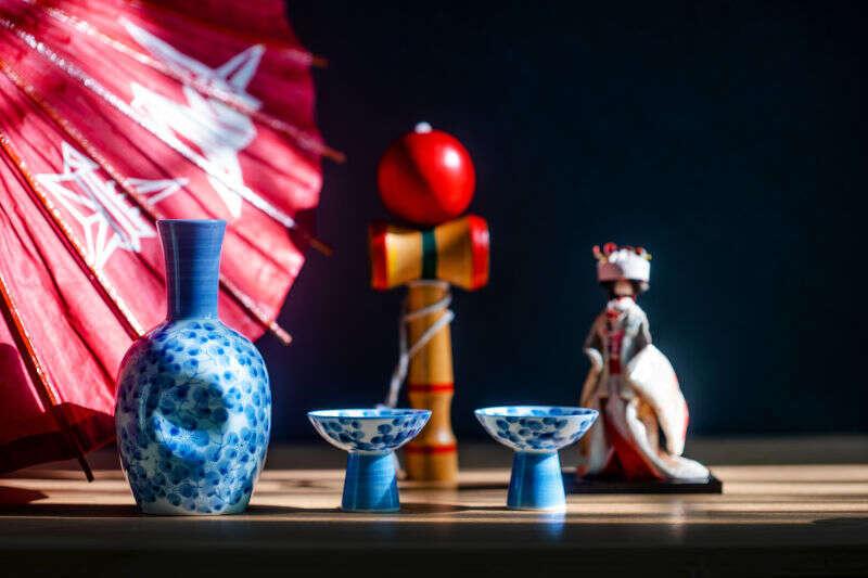 Servizio tipico giapponese per il Sake