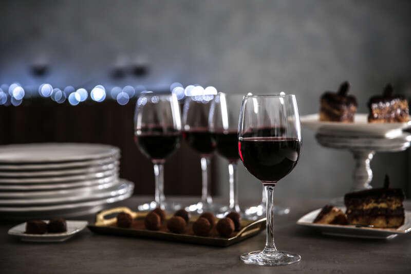 Abbinamento tra Vino Passito Rosso e Dessert al Cioccolato