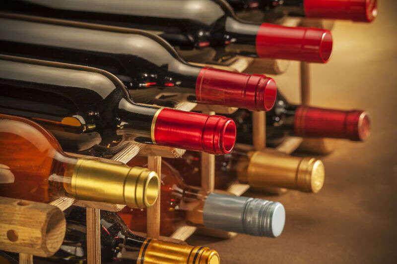 Bottiglie di Vino Bianco e Rosato per Natale