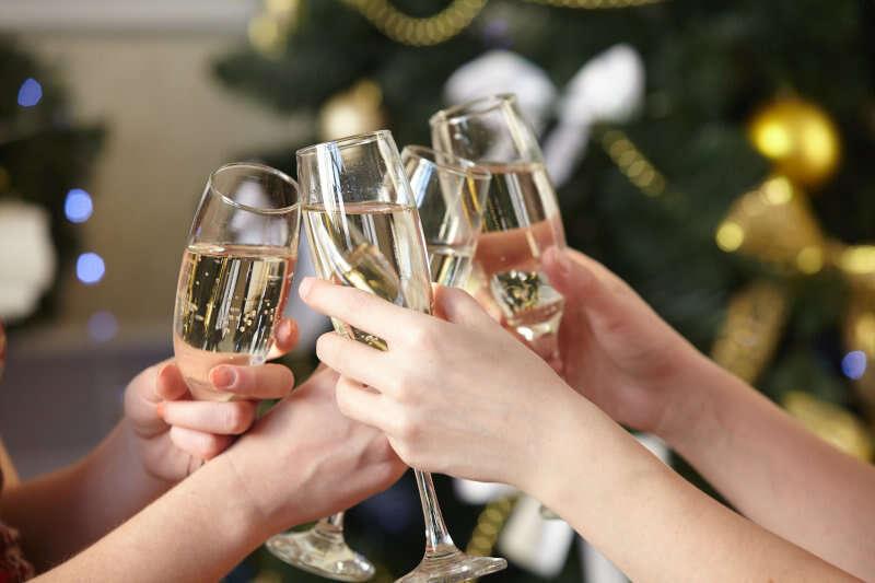 Il brindisi di Capodanno. Spumante o Champagne?