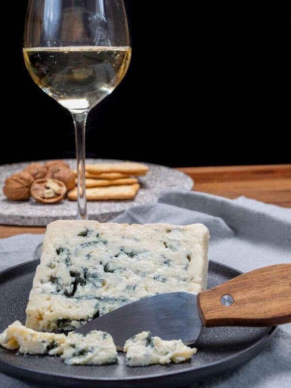 Abbinamento Formaggio Roquefort e vino Sauternes di Bordeaux