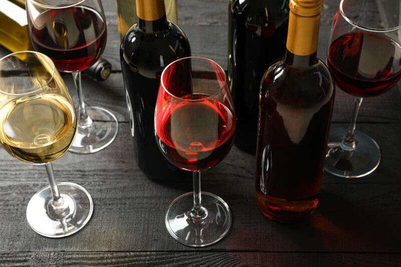 Bottiglie di Vino - Come aprire una Bottiglia di Vino senza Cavatappi?